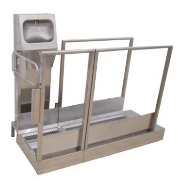 Corridoio igienizzante in acciaio inox passaggio intendo di operatori Multipass